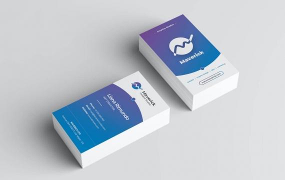 蓝色商务高端名片设计模板素材